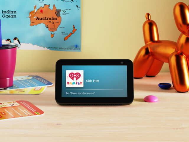Sure, your kids don't <em>need</em> a touchscreen display to listen to music—but it's nice not to be limited to voice commands only.